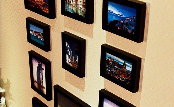 Cận cảnh bộ 11 khung ảnh treo tường KAD1101 chỉ dùng khung màu đen