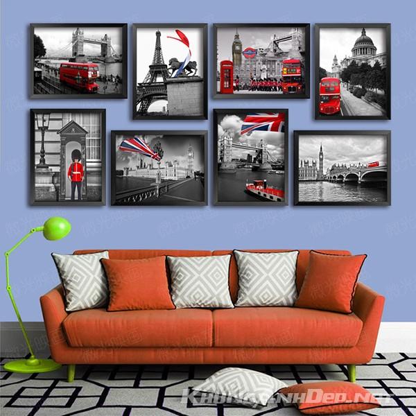 Với đối xứng hài hòa, Bộ 8 khung ảnh KAD803 phù hợp với không gian phòng khách hoặc những quán Cafe