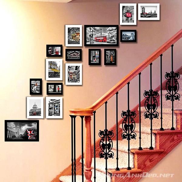 Bố trí dọc theo chiều đi lên của cầu thang