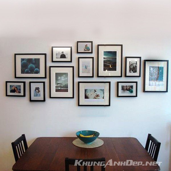 Ngoài việc trang trí phòng khách, bộ khung ảnh trên cũng rất phù hợp cho việc trang trí không gian phòng bếp chung cư hiện đại
