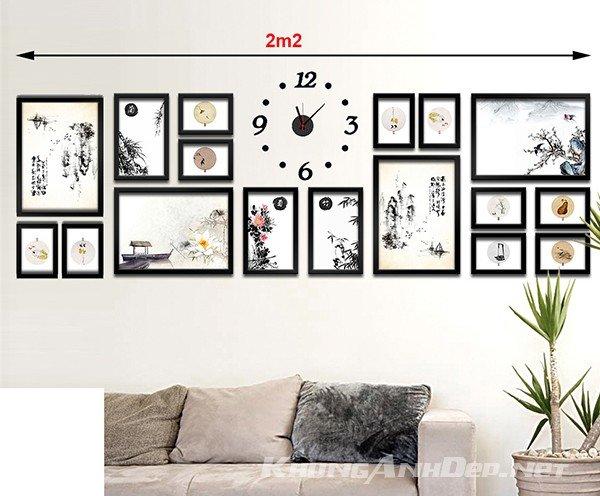 Bộ khung ảnh kết hợp đồng hồ phù hợp với những bức tường có diện tích rộng khoảng 2,5m trở lên